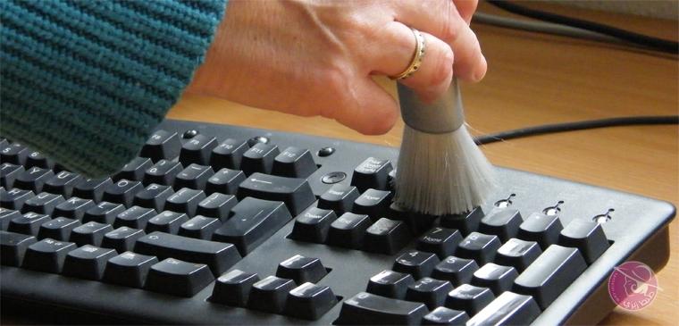 كيفية تنظيف حاسبك إتلافه