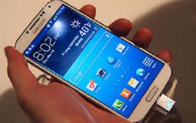 يتربع غالكسي أس4على الهواتف الذكية